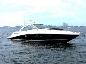 48 SeaRay Sundancer exterior