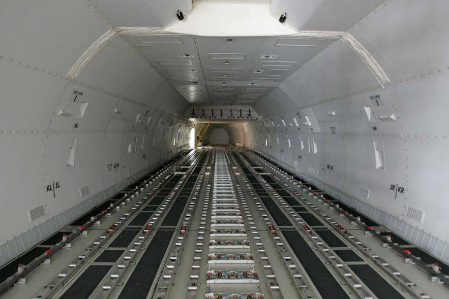747 cargo rack