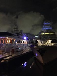 bestMARINABAYNIGHTIME2boatsMG_2370