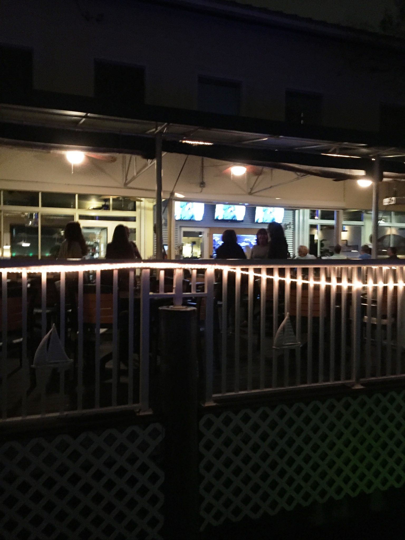 RENDEZVOUS DECK LOUNGE - NIGHT