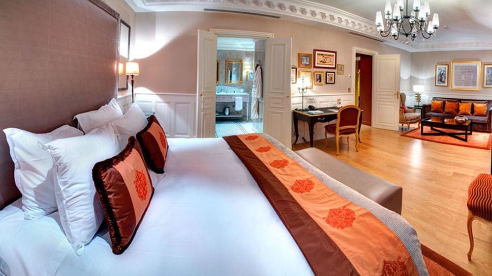 hoteldeparisroomtwo1a45181b_z