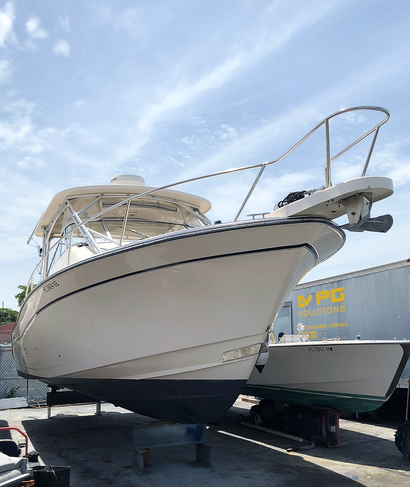 2006 GRADY WHITE 330 EXPRESS-PRICE DRASTICALLY REDUCED AND FRESHLY SERVICED  FOR QUICK SALE NOW WITH NEW 5-YEARS HULL WARRANTY BEGINNING JANUARY 2018
